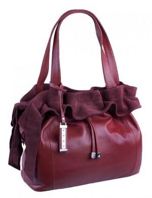 ...торговой марки ELEGANZZA выполнена из натуральной кожи красного цвета.