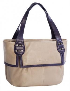 Женская сумка ELEGANZZA выполнена из натуральной матовой кожи...